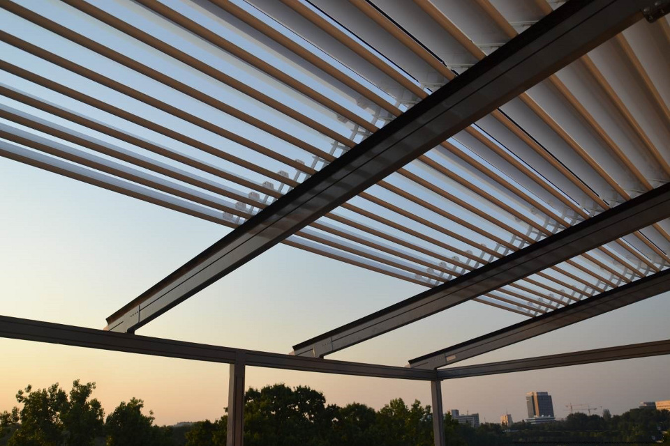 Skycover Persa Louver Retractable Shading System With Up